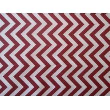 Плат Poplin бяло-червен зигзаг - 50 х 50 см